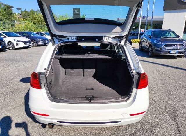 BMW 320d Touring Business auto pieno